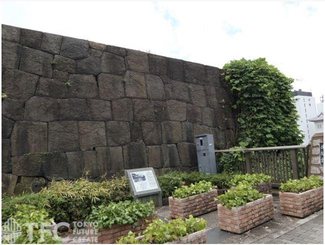 牛込見附の石垣