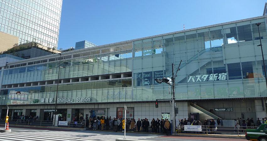 新宿駅周辺